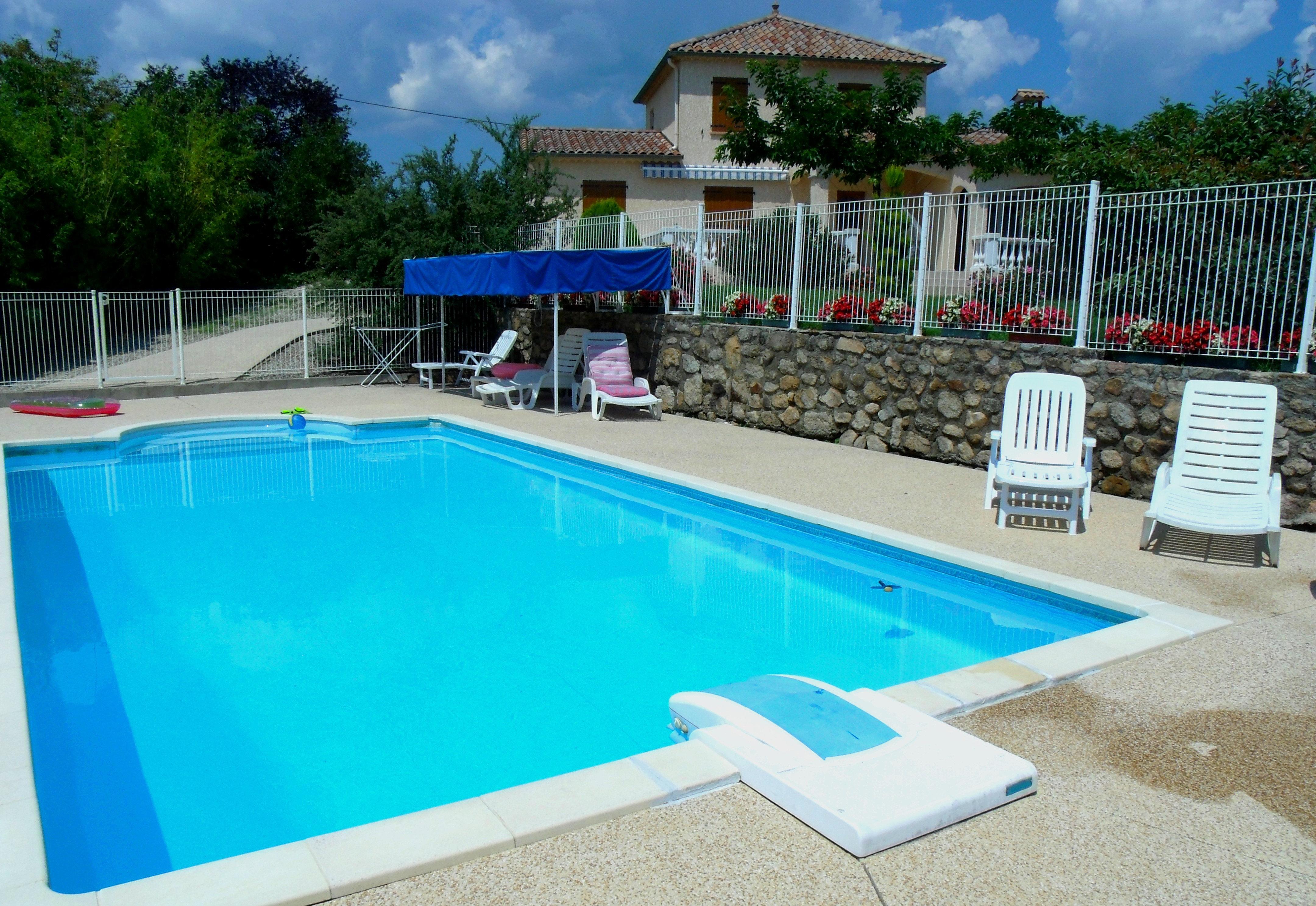 Leslavandinslegite la piscine for Piscine 3 05 x 1 22