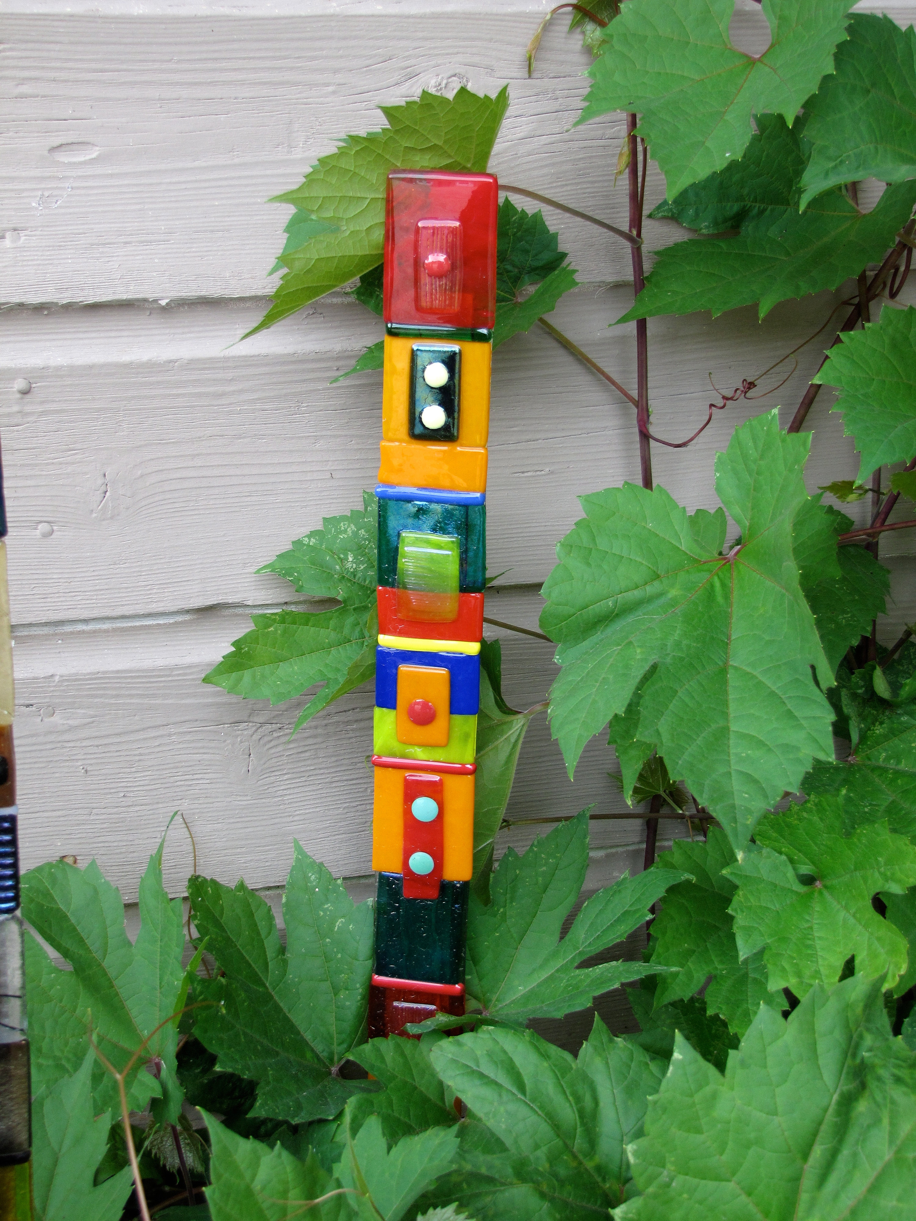 Handsonartstudio Fused Glass Garden Totem