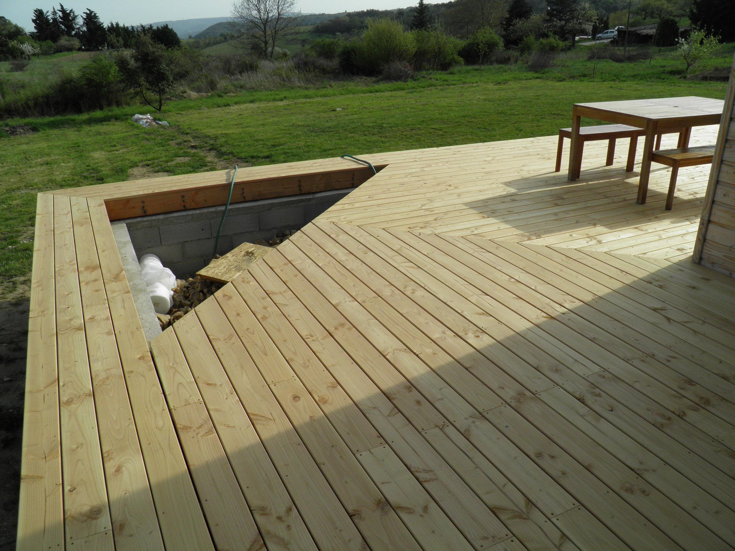 poseur artisan terrasses bois drome 26 terrasse bois douglas. Black Bedroom Furniture Sets. Home Design Ideas