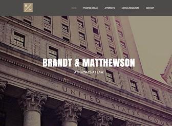 Klassische Anwaltskanzlei Template - Mit großen Streifenbildern und Parallax-Effekten ist diese Homepage-Vorlage perfekt für Kanzleien und Unternehmen. Ändern Sie die Texte und beschreiben Sie Ihre Dienstleistungen. Fügen Sie Bilder hinzu, um den Charakter Ihrer Einrichtung wiederzugeben. Jetzt starten und eine eigene Onlinepräsenz erstellen!