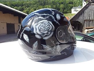 Rose thorn čelada