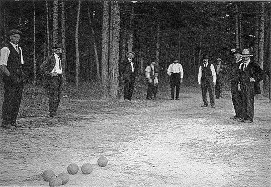 1916 - Playing Bocce