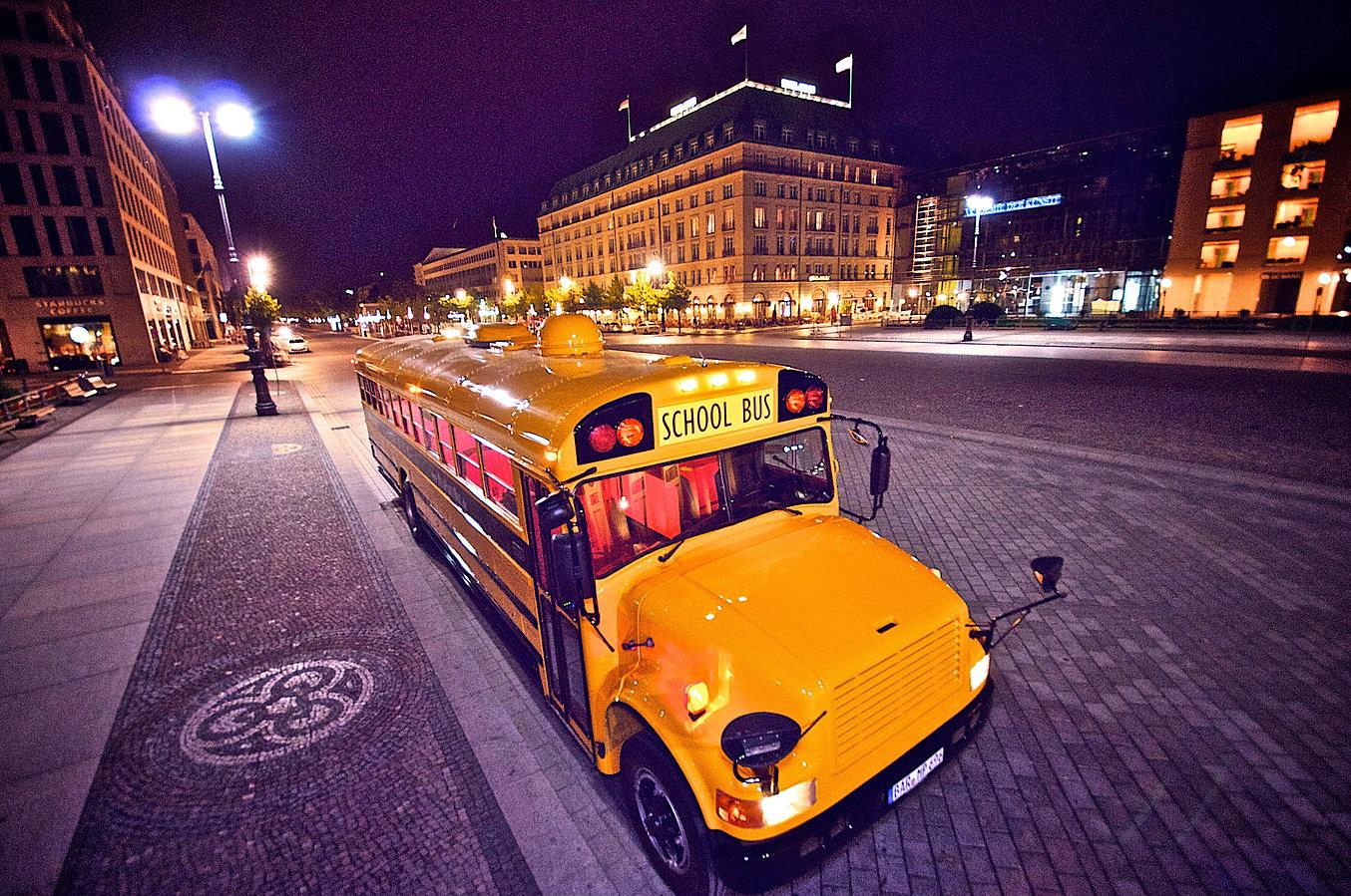 partybusse eventbusse berlin preise school bus. Black Bedroom Furniture Sets. Home Design Ideas