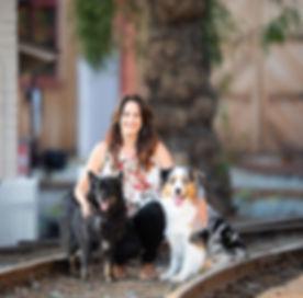 Laura Profile Pic_edited_edited_edited.jpg