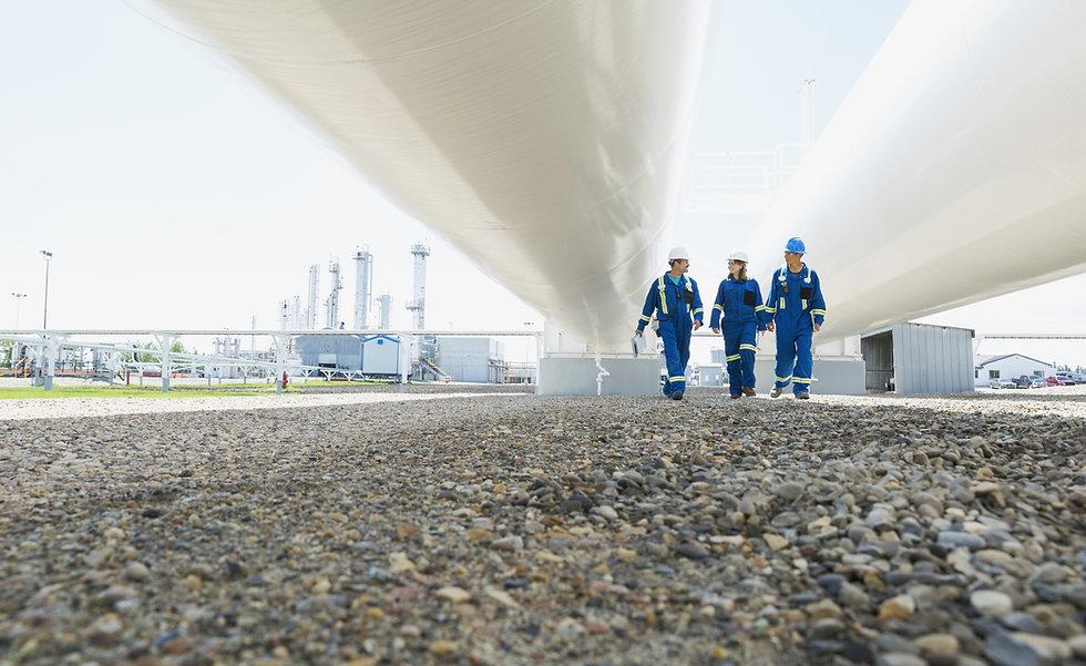 Caminar Bajo Tubos de gas