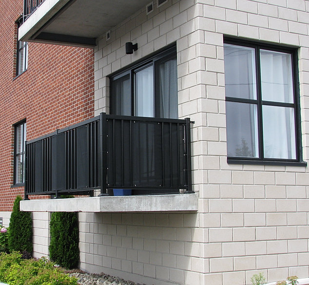 Toile de balcon manufacturier de produits de toile sur for Balcon in english