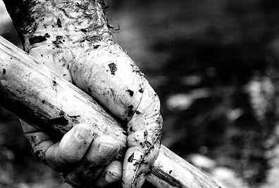 Dirty Nails!