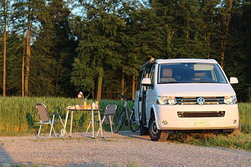 vw bus t6 california camper mieten in z rich. Black Bedroom Furniture Sets. Home Design Ideas