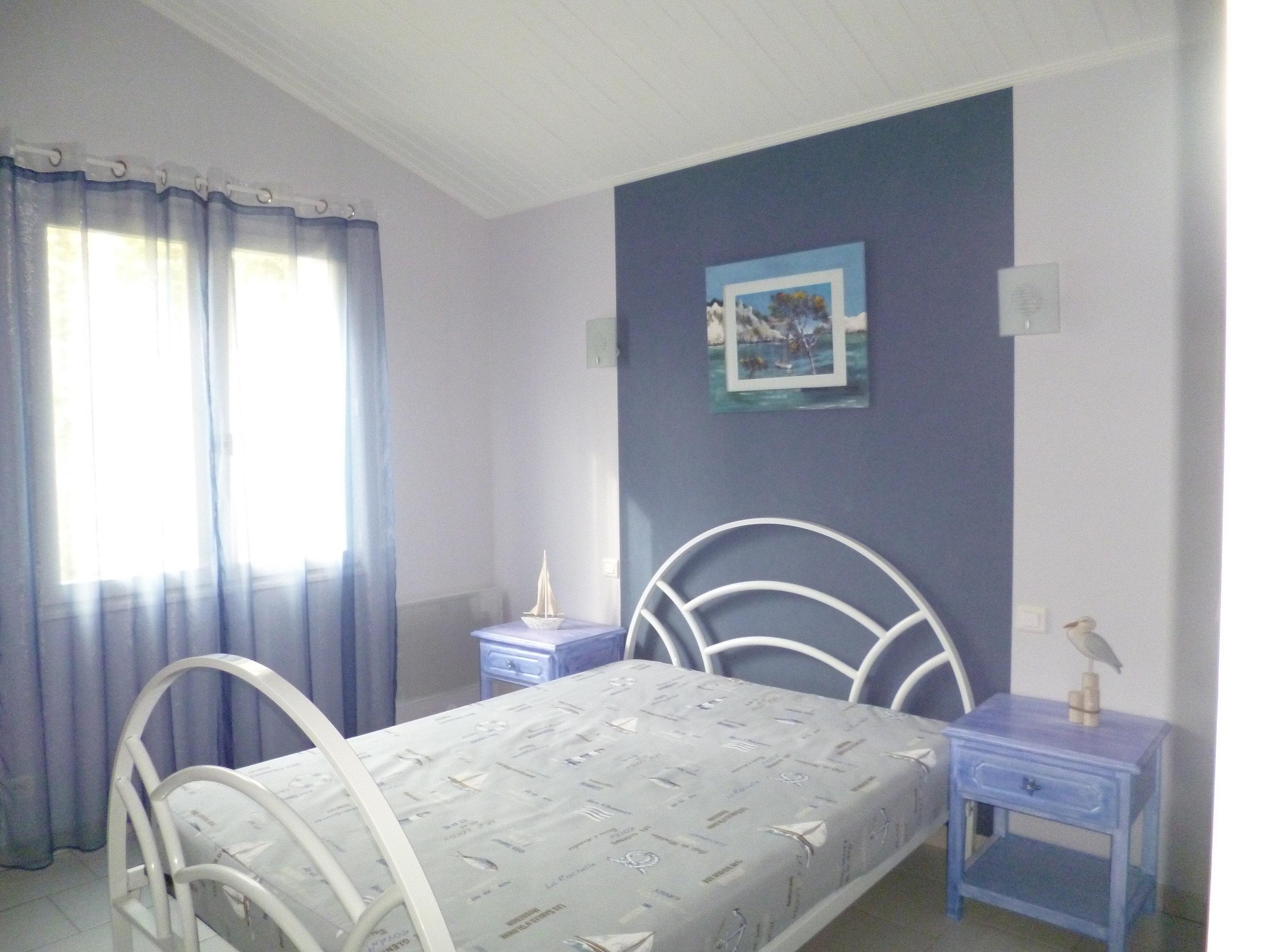 les g tes de la reyniere chambre. Black Bedroom Furniture Sets. Home Design Ideas