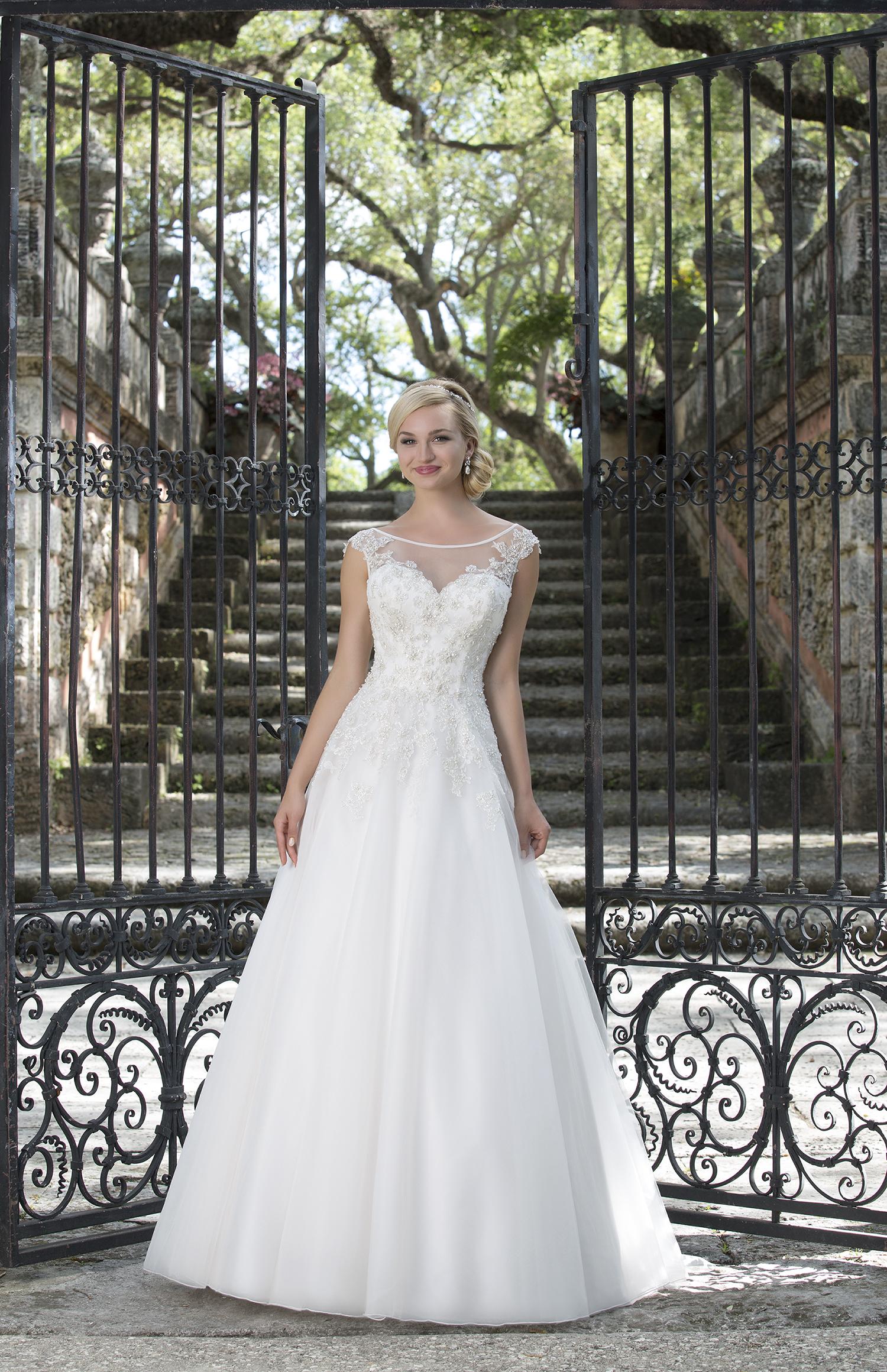 Bridal Gowns Des Moines Ia 39