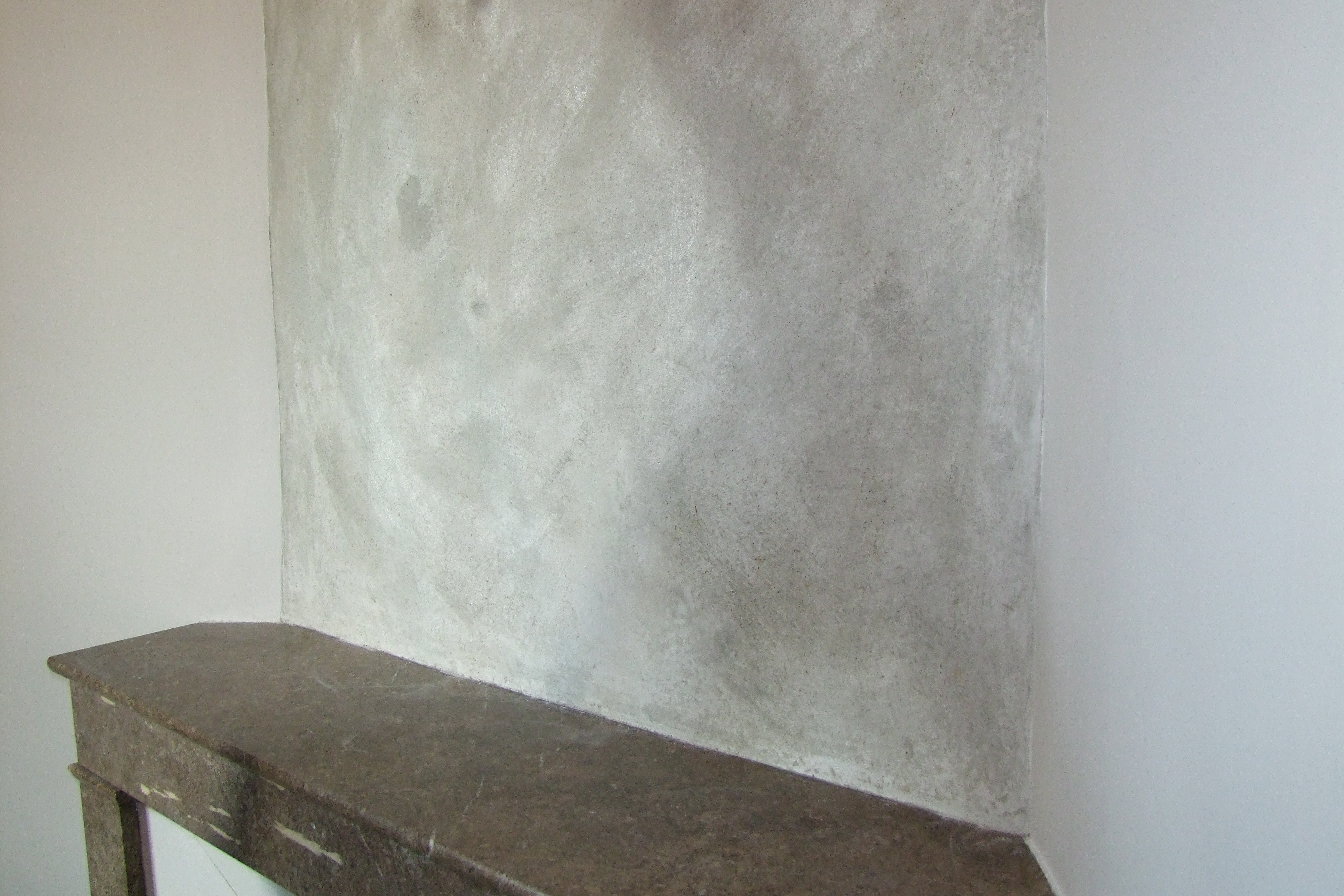 La peintre bio vanessa burgui re enduit la chaux nuances de gris for Peinture enduit interieur