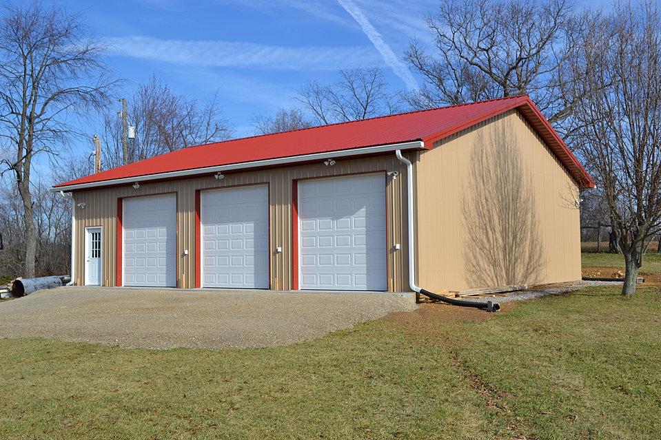 Virginia barn company pole barn builder va for 12x12 overhead garage door