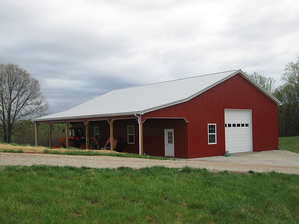 Virginia barn company pole barn builder va for Barn kits with living quarters