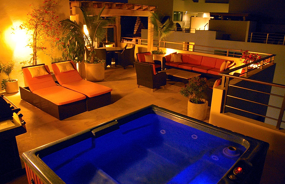 NOCTURNA TERRAZA, GRILL Y JACUZZI