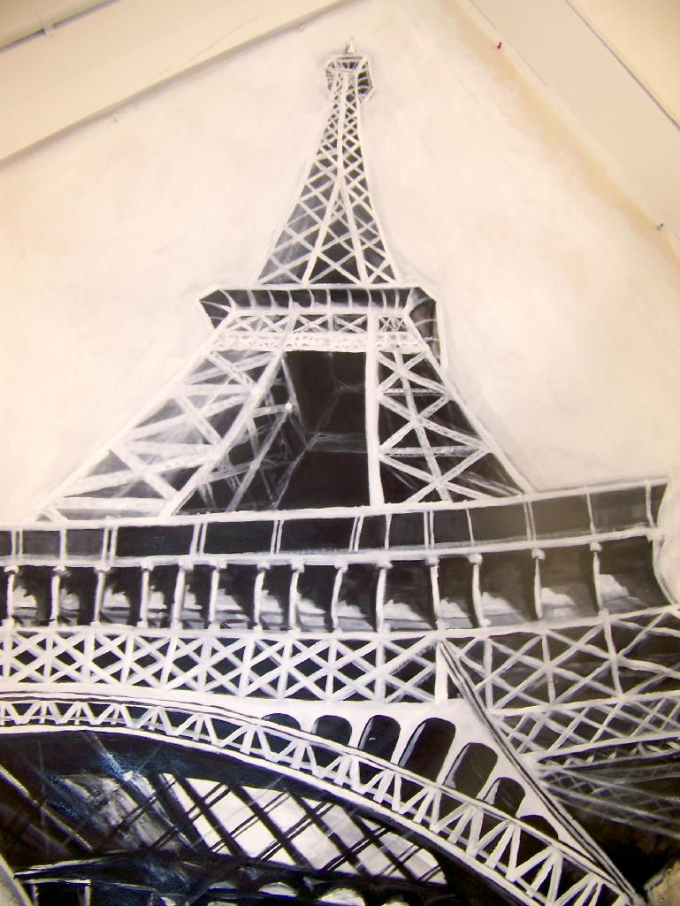 Painting portfolio black and white for Eiffel tower mural