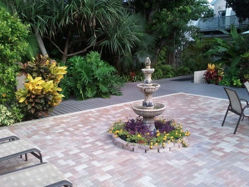 DH Courtyard View