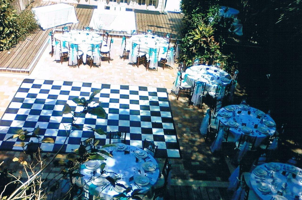 DH Courtyard Wedding Reception