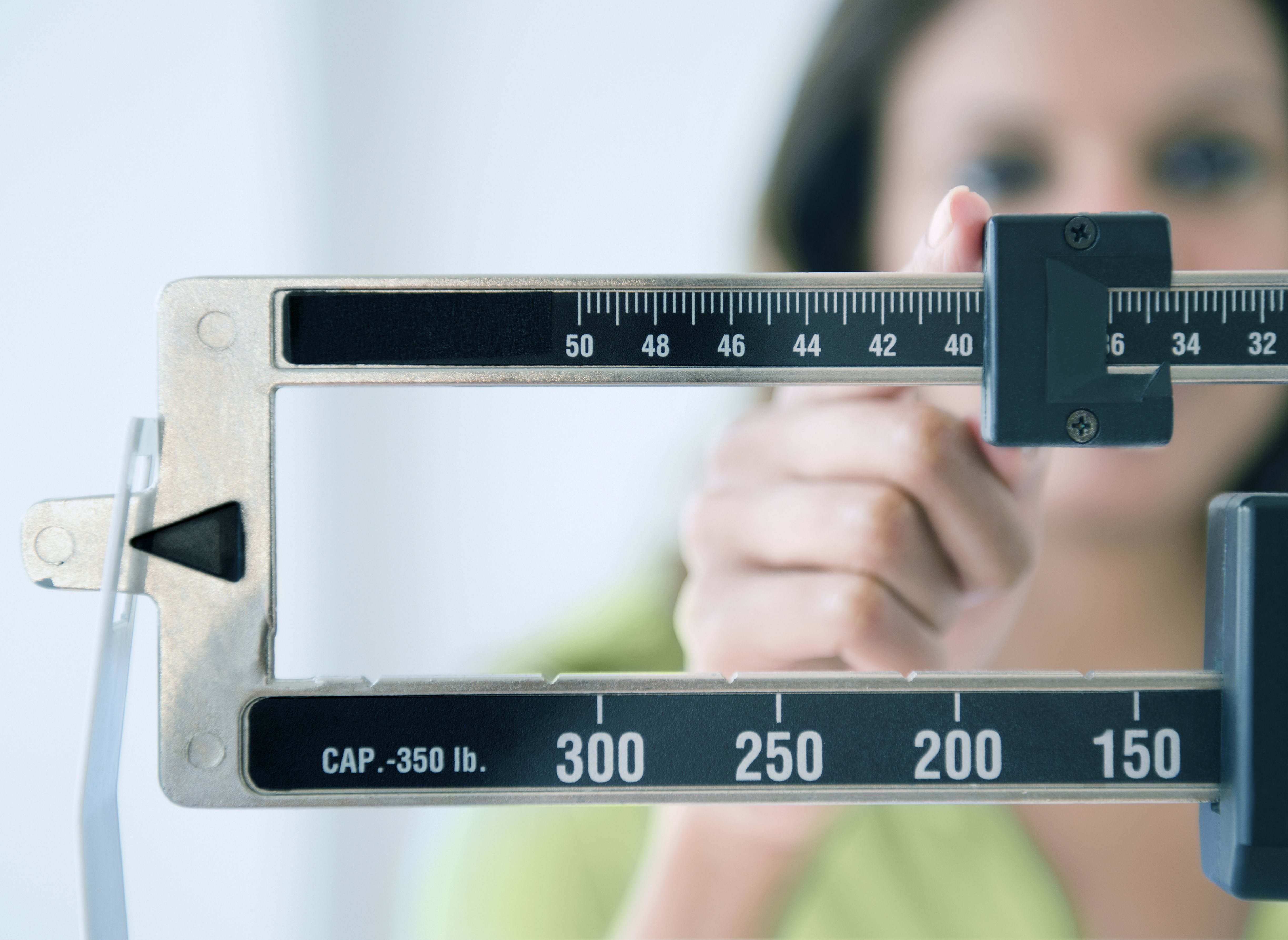 How much of a calorie deficit to lose fat but not muscle image 7