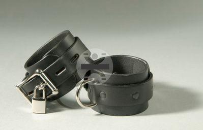 1Sin_Classic_cuffs.jpg