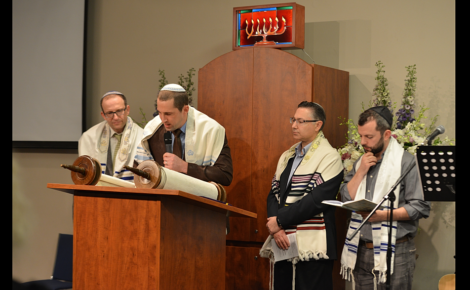 how to become a messianic rabbi online