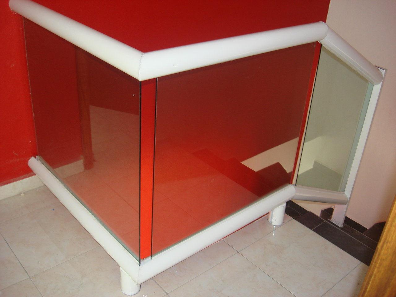 Servalum servicio en aluminio for Barandales de aluminio blanco
