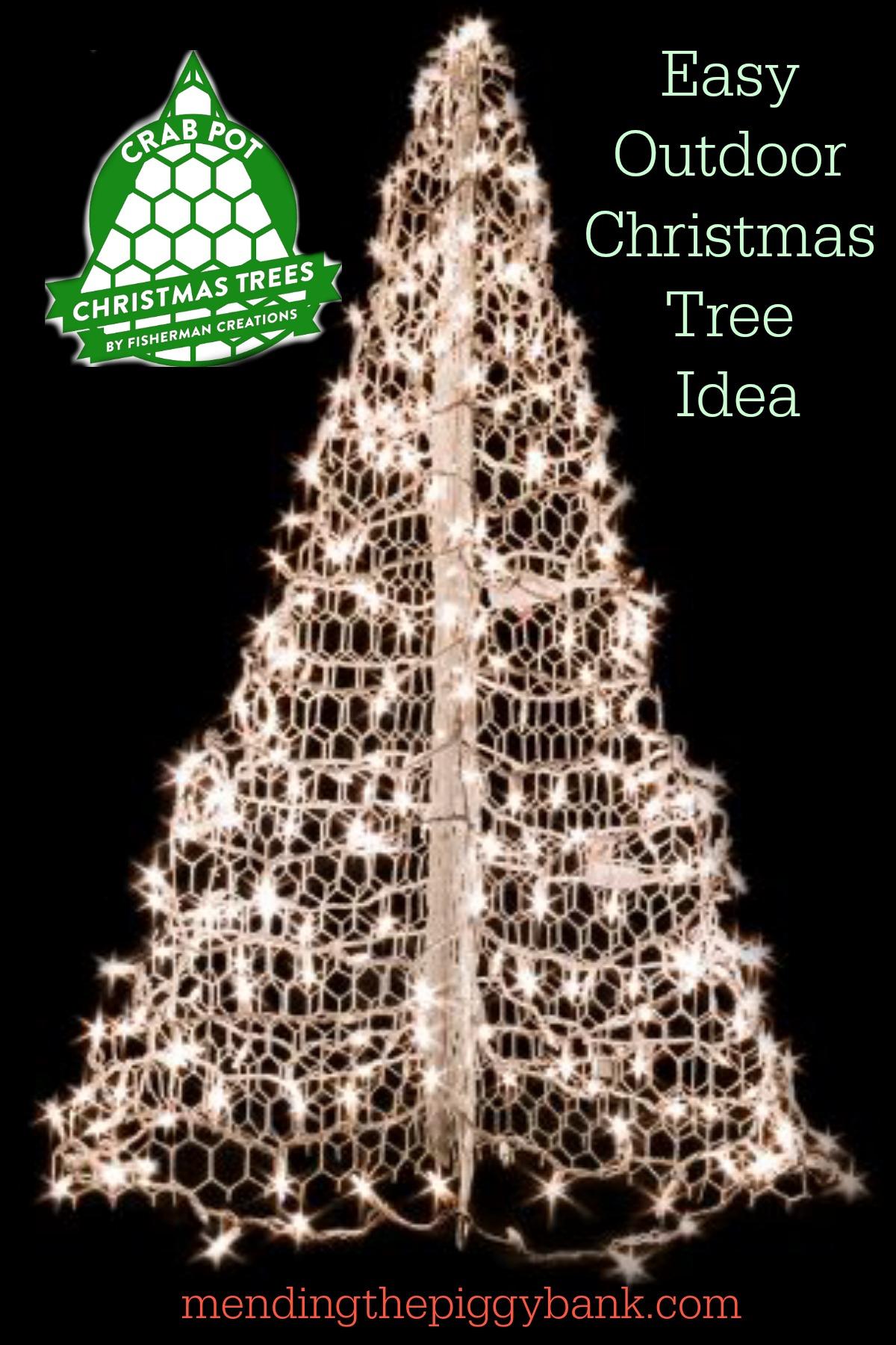 Easy Outdoor Christmas Tree Idea   Mending the Piggy Bank