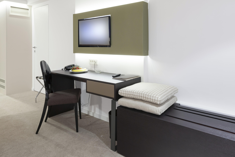 EA Estilo  Carpintería comercial & residencial  Hoteleria