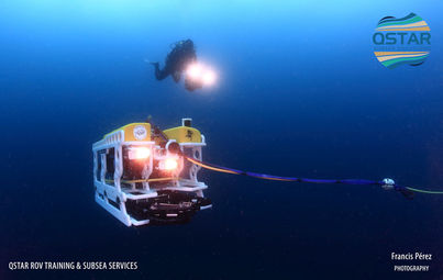 QSTAR-ROV-with-Diver-Canary-Islands.jpg