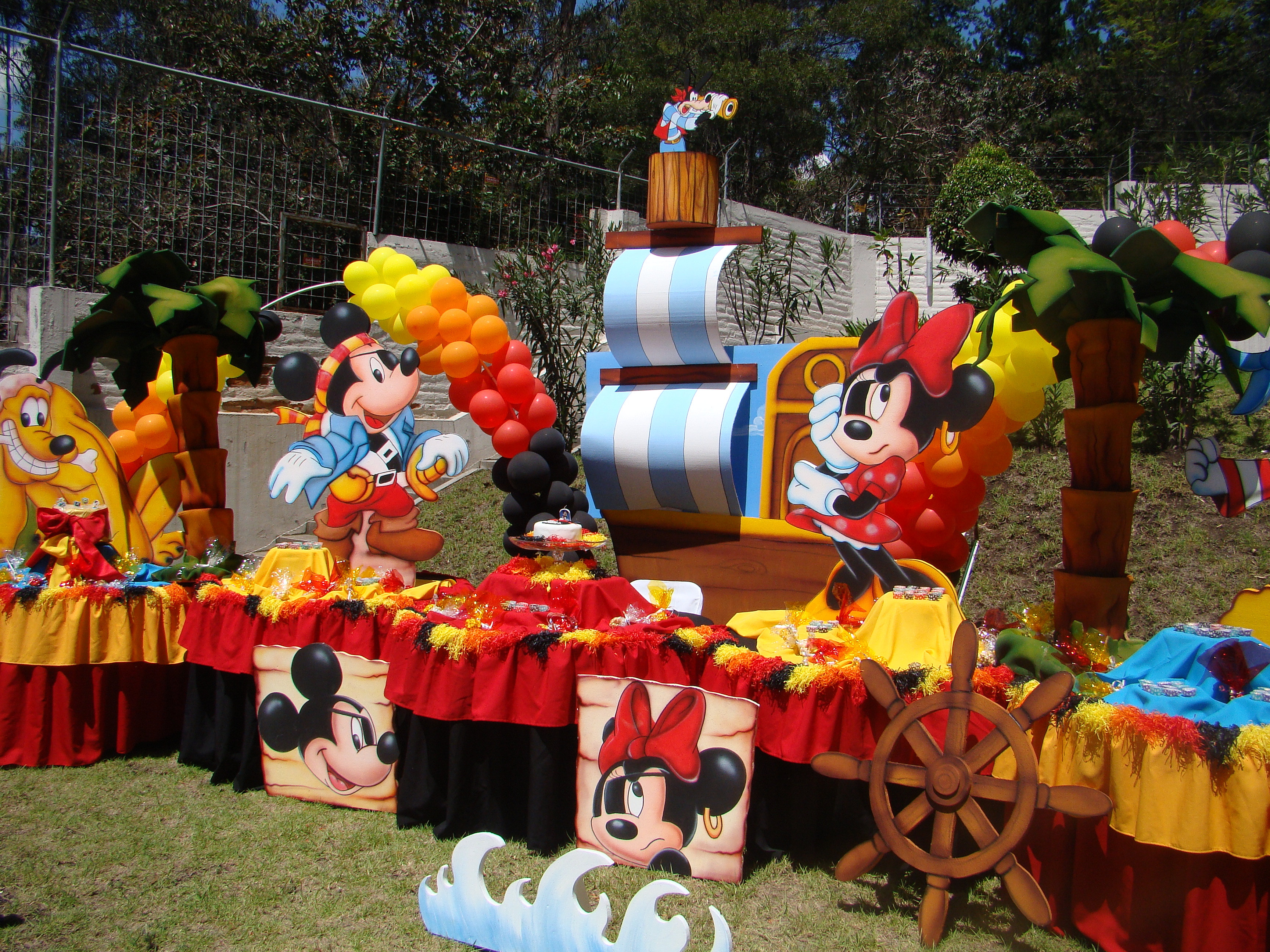 Mickey Mouse Decoracion Fiesta ~ Torta y Fiesta  Fiestas Infantiles  Cupcakes  Quito