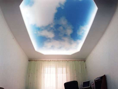Интересные идеи натяжных потолков
