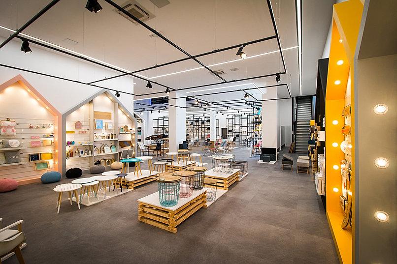 cmp paris import export showroom le de france. Black Bedroom Furniture Sets. Home Design Ideas