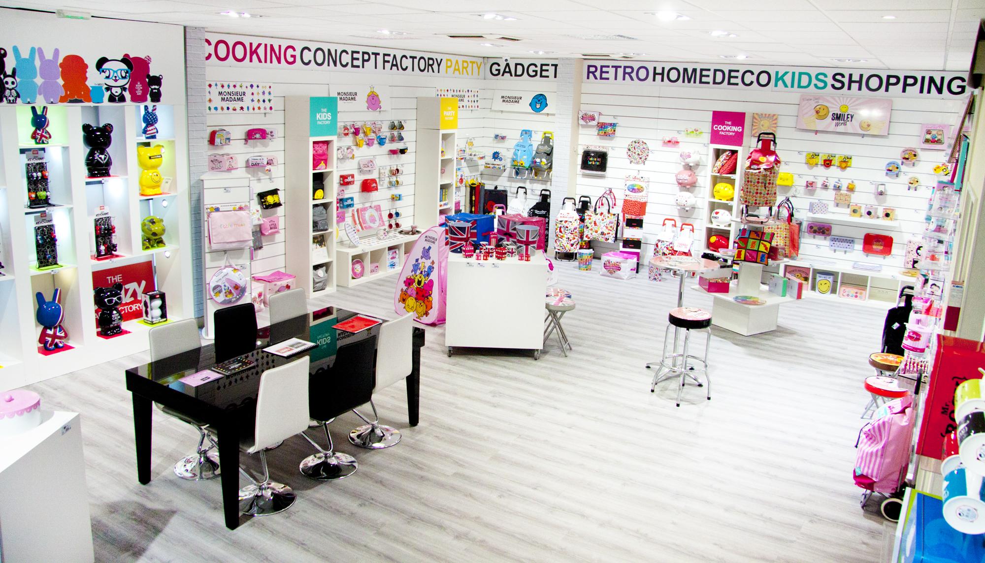 cr ation du showroom the concept factory groupe cmp paris import export. Black Bedroom Furniture Sets. Home Design Ideas