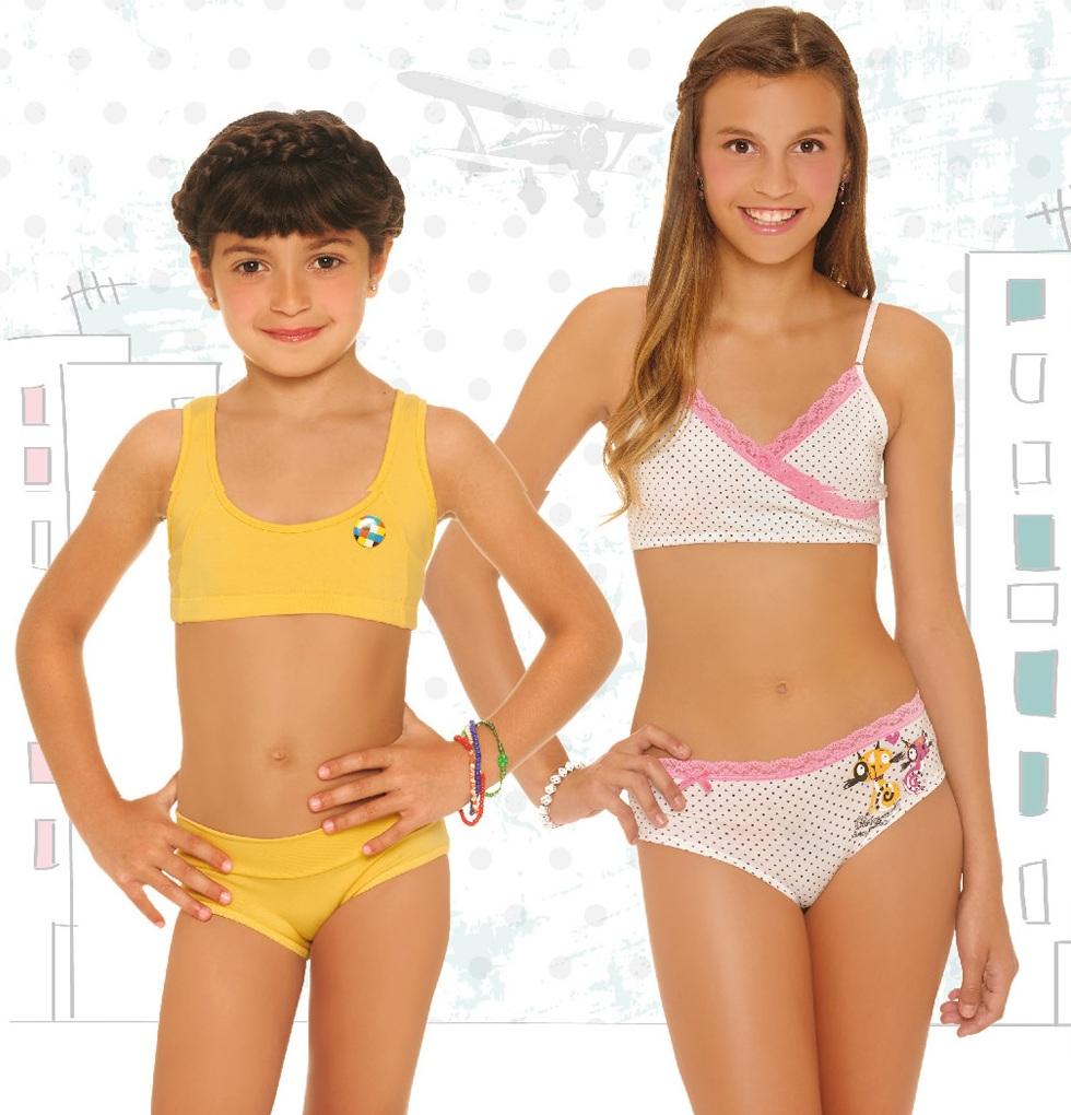 Adolescentes en ropa interior apretada