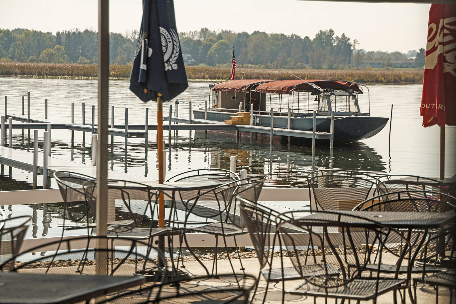 Back Porch Dining and Tourboat.jpg