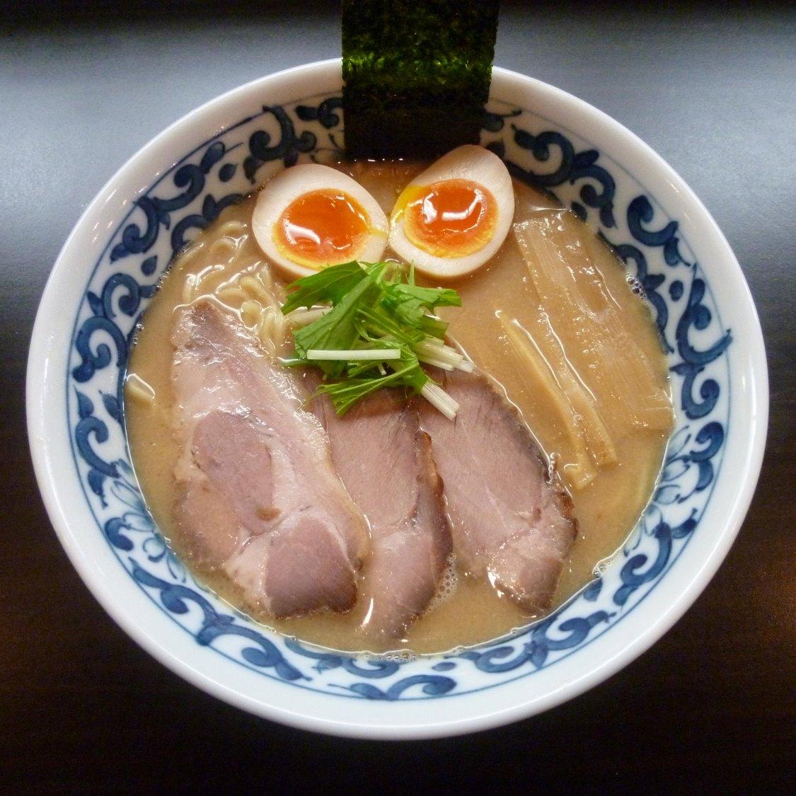 九段斑鳩 市ヶ谷・本店>