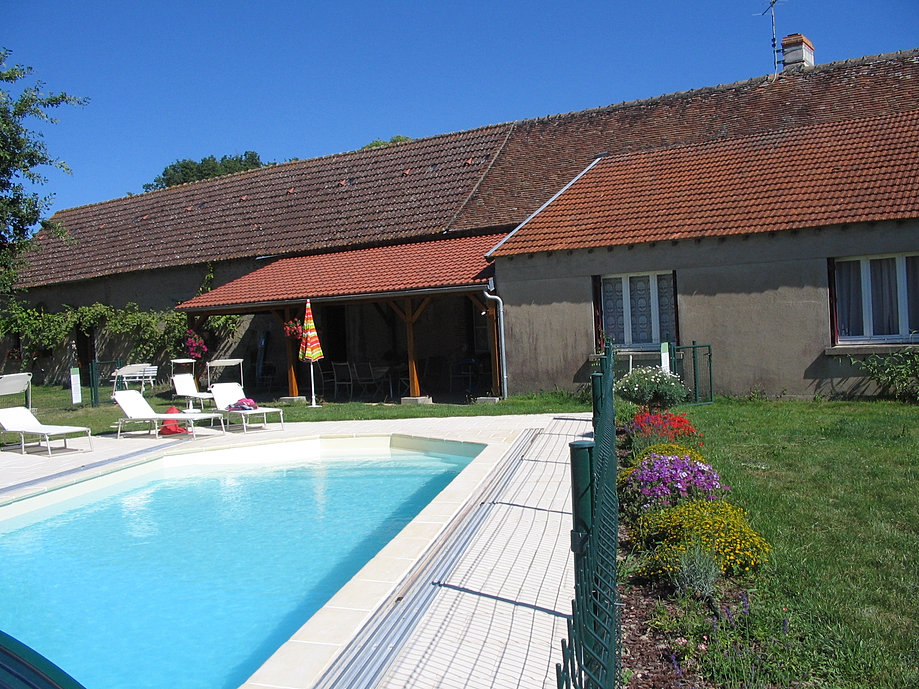 Les g tes de courmain for Piscine romorantin