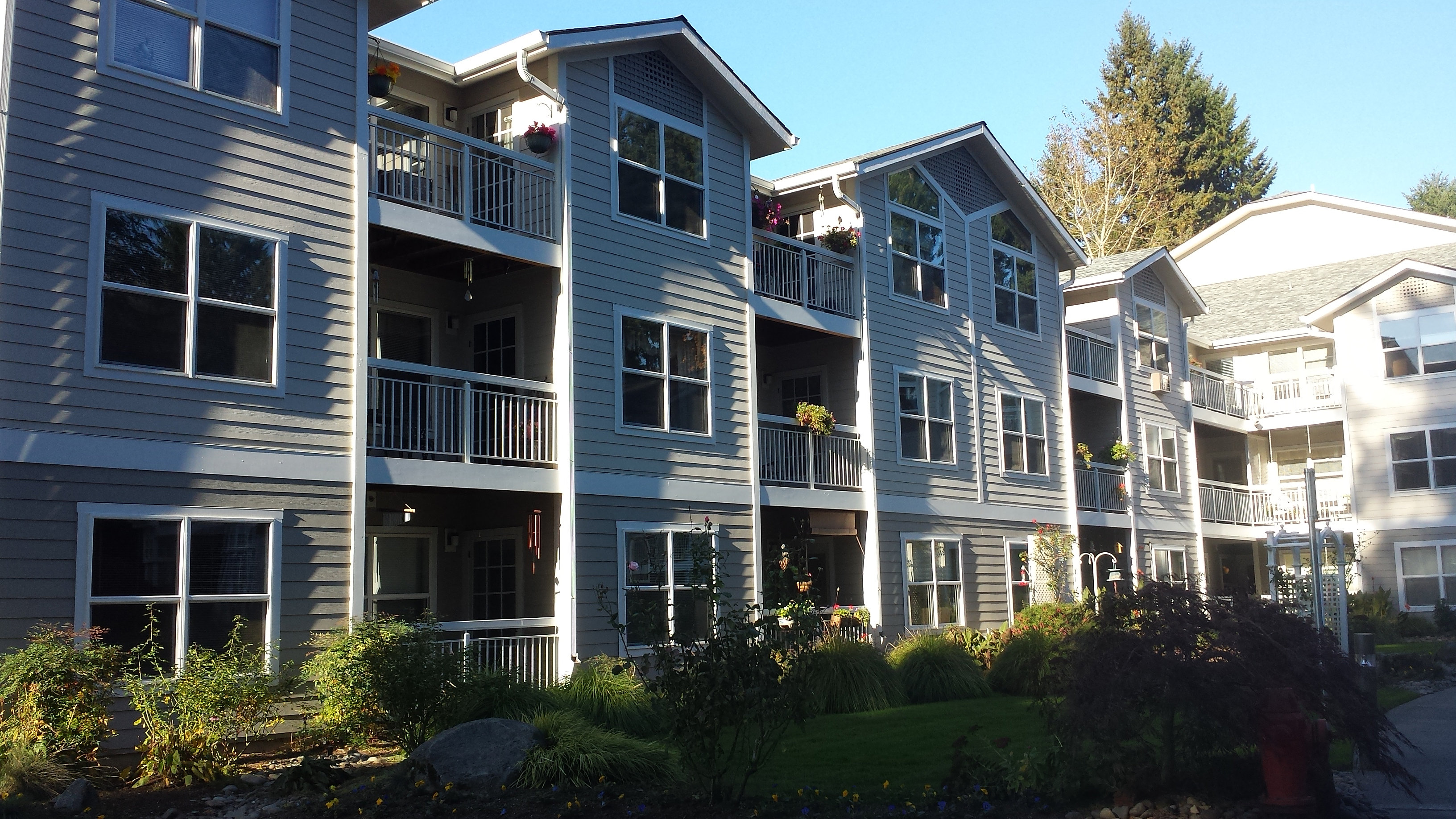 Posten painting inc residential commercial portland oregon commercial exterior painting Exterior commercial painting