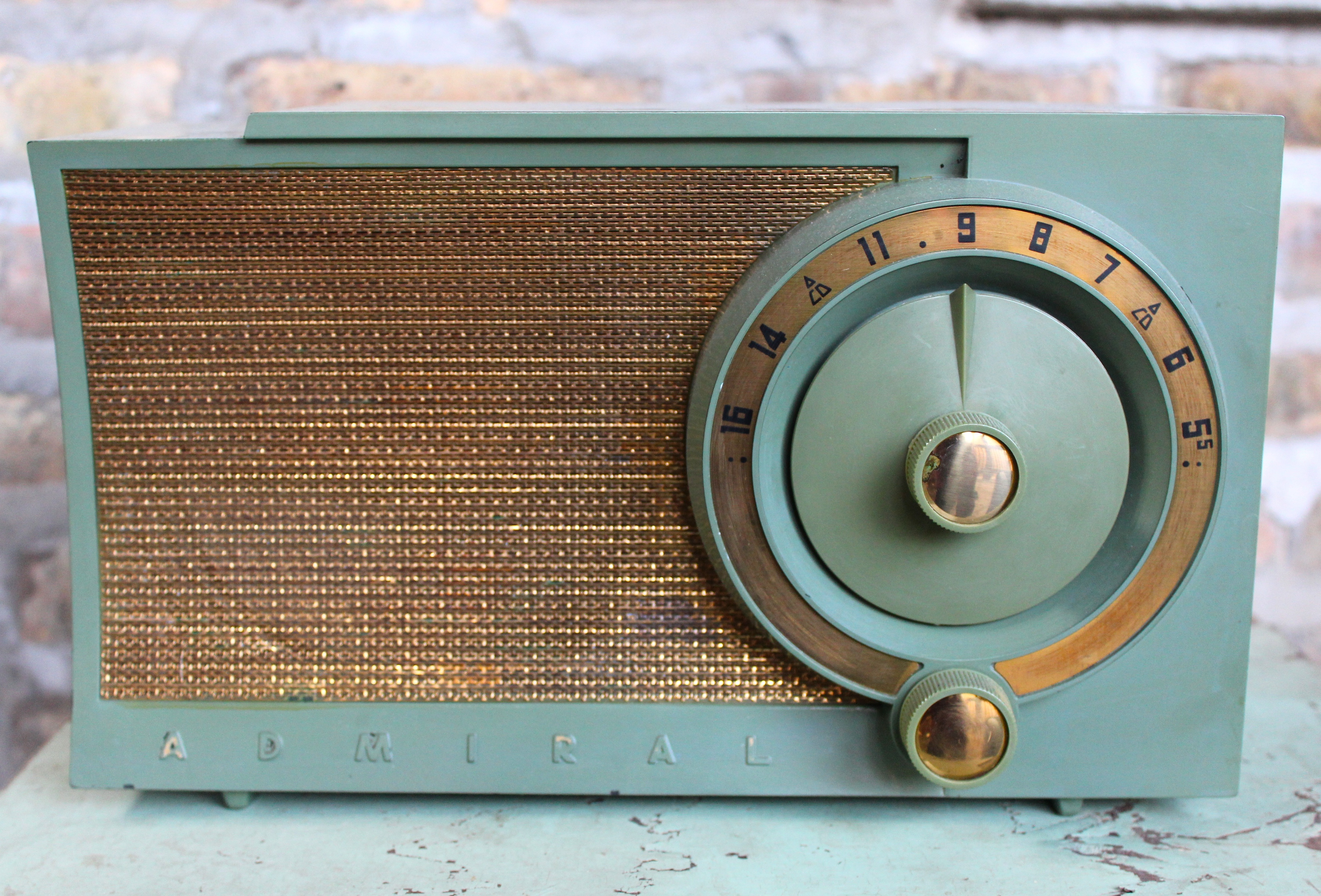 The Complete Price Guide to Antique Radios  amazoncom