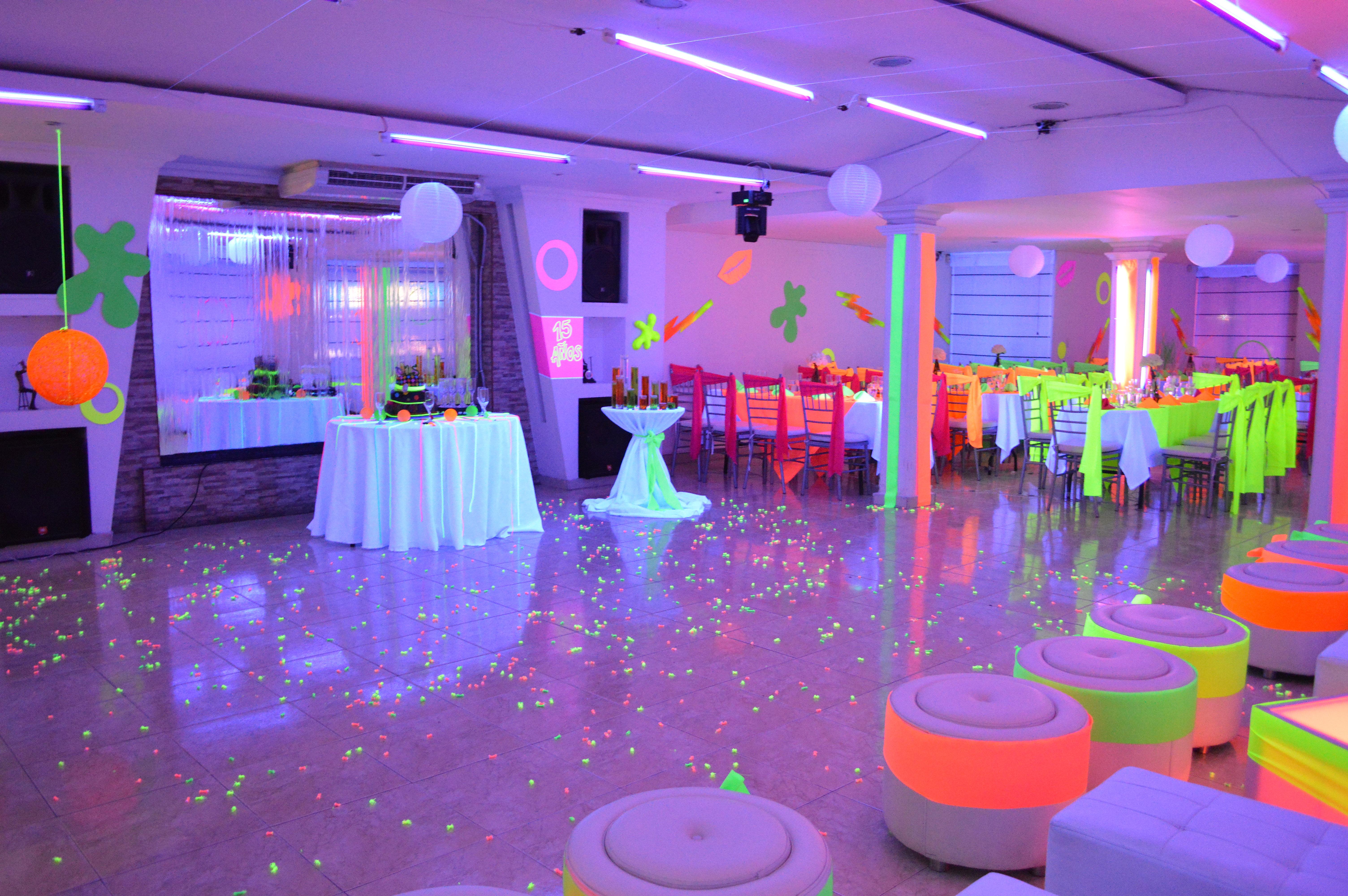 Salon de eventos bodas campestres salon de recepciones - Decoracion salon blanco y negro ...