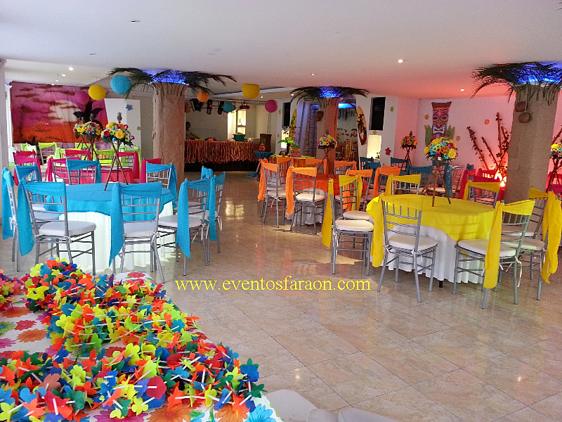 Fiesta hawaiana car interior design for Acuario salon de fiestas