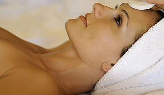 Facial extractions at home