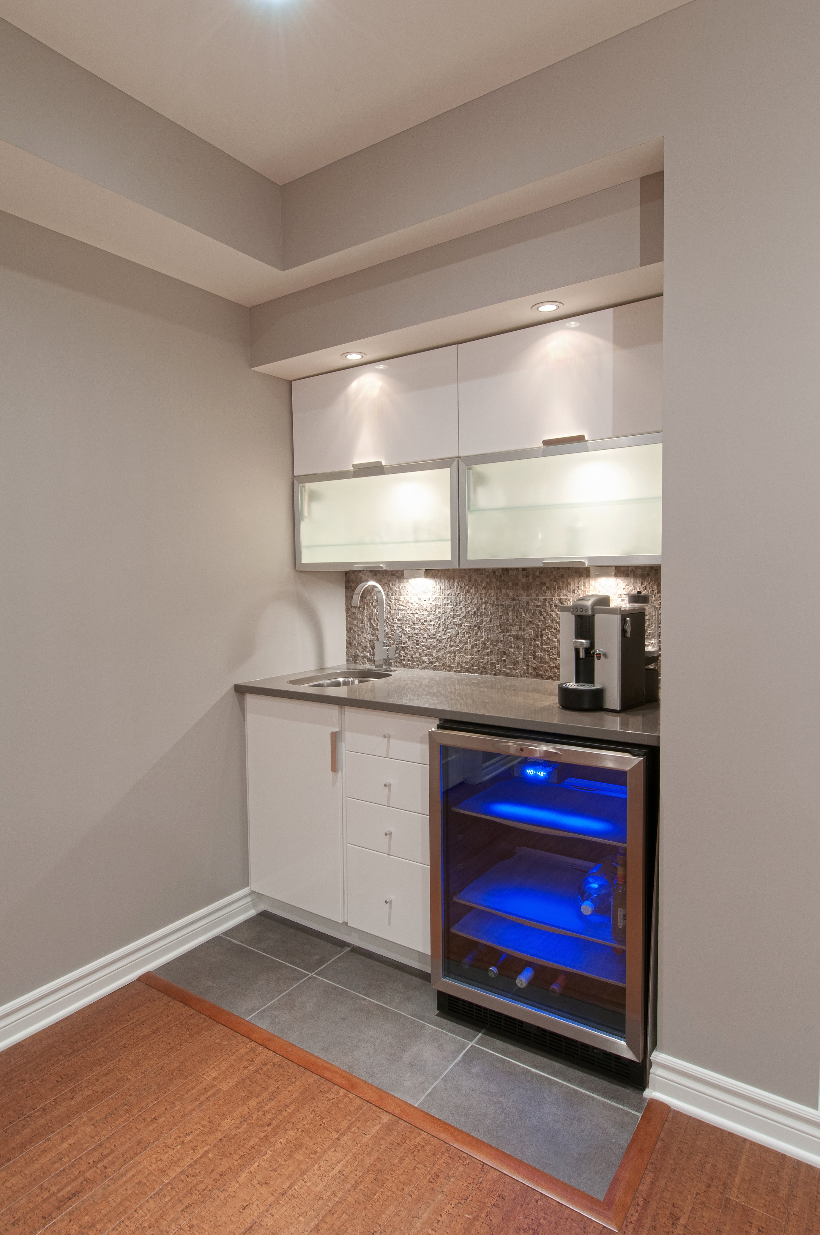 Just basements ottawa basement design build ottawa for How to build a wet bar at home