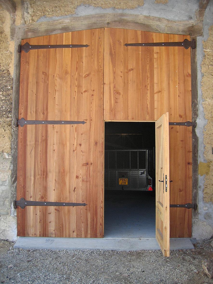 Porte porte de garage sur mesure lyon grenoble chamb ry for Porte de garage chambery