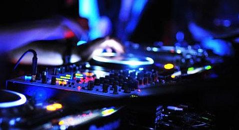 table de mixage dj - Dj Mariage Annecy