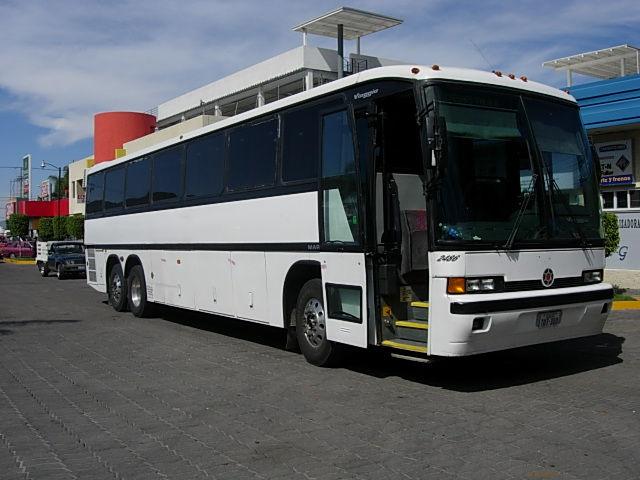 """Autobus """"Los Garcia"""""""