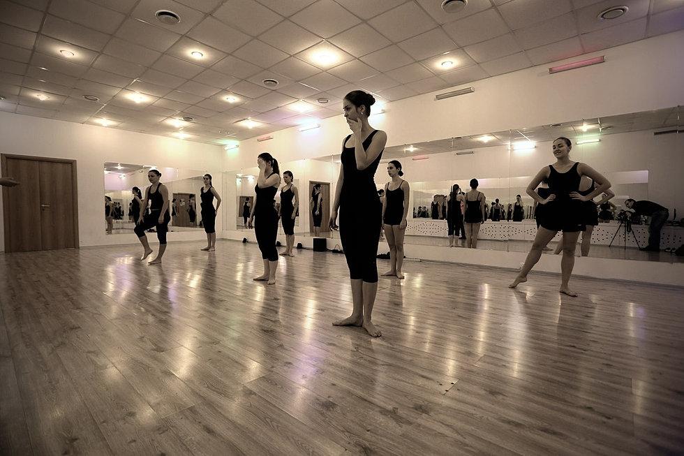Школа танцев mainstream на мясницкой улице (москва)