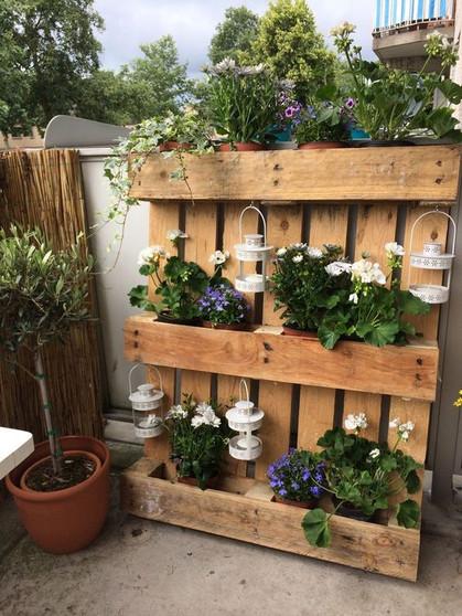 Jardines verticales hechos con palets interiorismo - Jardines verticales con palets ...