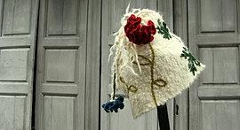 bonnet alpaga brodé, 90 € VENDU