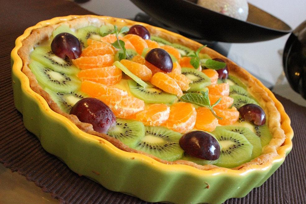 Fresh Fruit Tart with Vanilla Cream