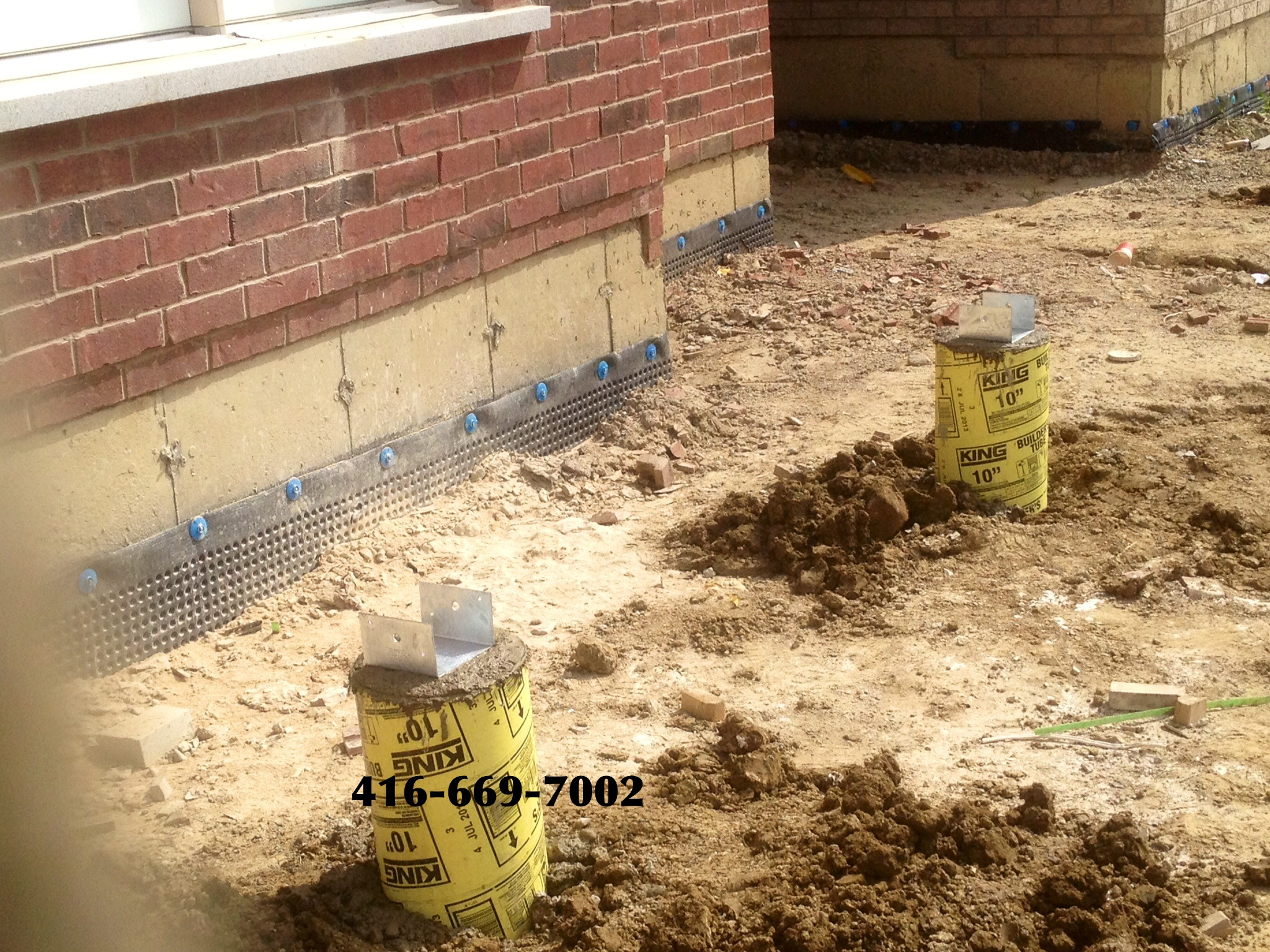 Contact on deck footings